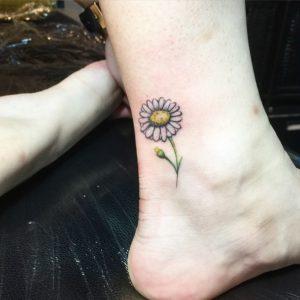 tattoo piccolo tatuaggi piccoli margherita piede