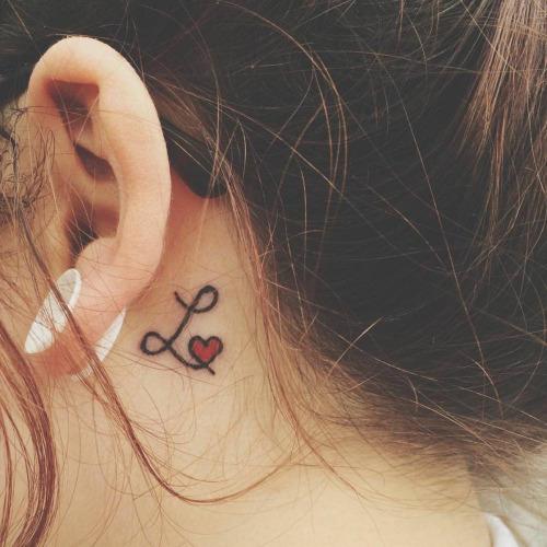 tatuaggio piccolo cuore donna significato