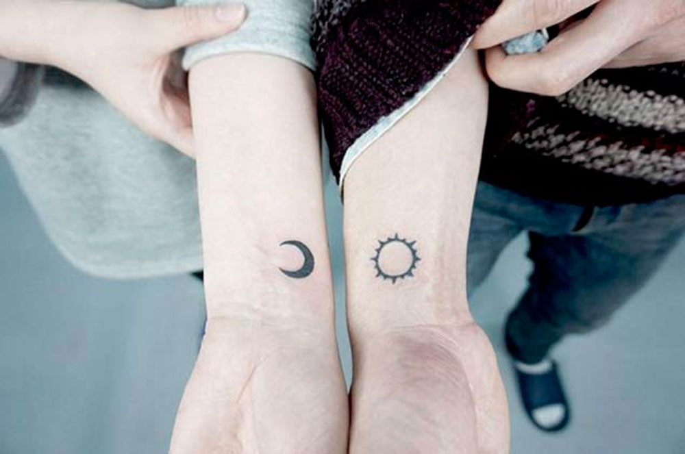 tatuaggio piccolo sole luna donna significato